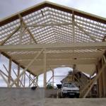 Freitragende Halle mit klassischem Satteldach